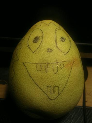 [作画重点介绍]嘿嘿,可爱的小柚子,每年最期待中秋节了,可以出来亮