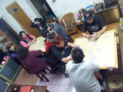 【大運99超級任務】34-玩撲克牌 PapayaTseng