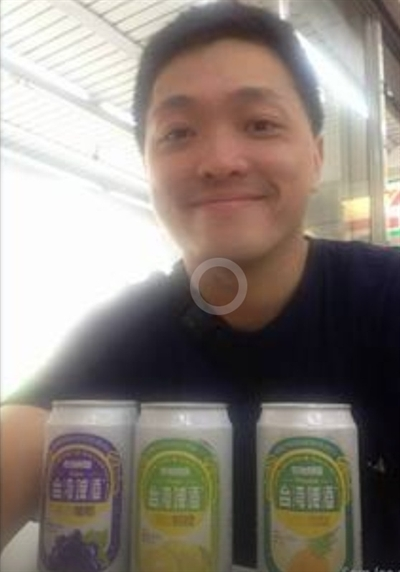 【大運99超級任務】52-喝啤酒 Debby Chen
