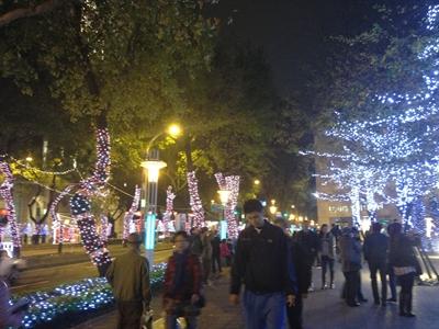 【大運99超級任務】57-霓虹燈 Debby Chen