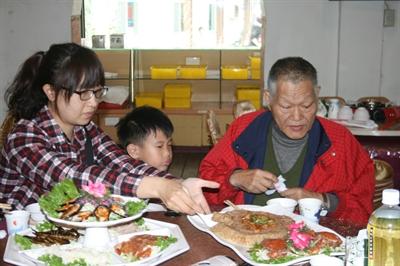 【大運99超級任務】70-餐聽外食 Irene Ham