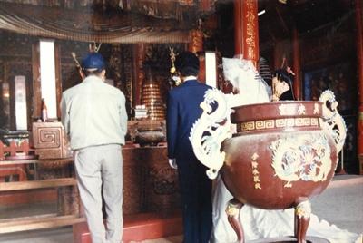 【大運99超級任務】80-廟裡拜拜 Pel-Lun Huang