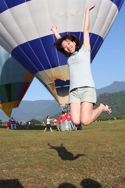 【V Air 威航啟航計劃】擺出V POSE,宣告V主張;10張不限航點機票免費送給你 Mindy Chuang