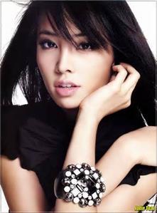 【粉多好膚質】誰是演藝圈中的白雪公主 貞 陳