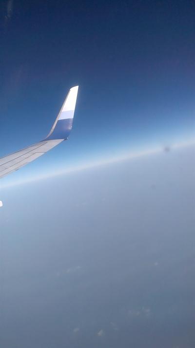 【粉多國外旅遊】飛機上有Wi-Fi可以做的100件事! 雅馨 莊