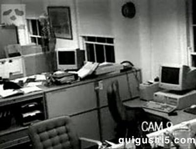 【粉多鬼故事】千萬不要一個人加班之辦公室鬼故事大募集 佳真李