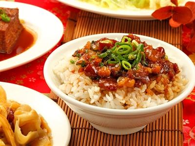 【粉多特搜】敲好吃的滷肉飯推薦 Mi Chen
