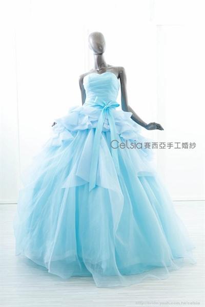 【粉多女人心】夢想中的婚紗禮服 鍾碩 艾