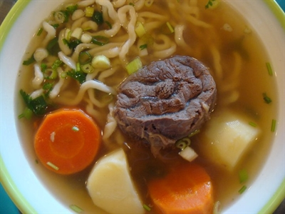 超好吃牛肉麵推薦 培波 陳