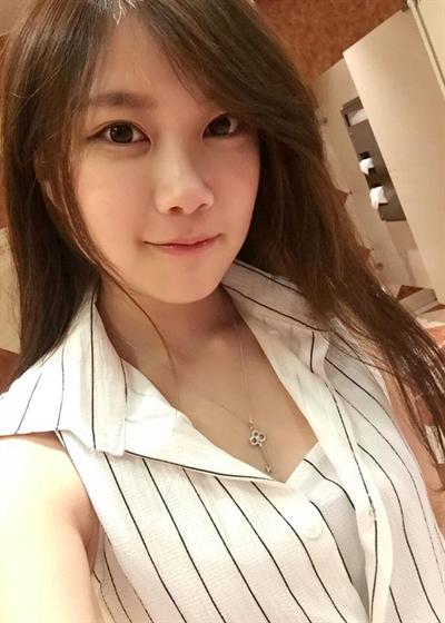 珍藏外拍小模大公開 Juju June