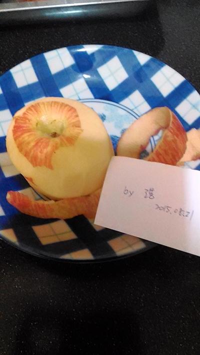 一刀不斷蘋果削皮大挑戰 敬浩林