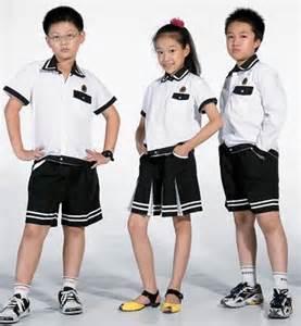 上學不用穿校服?特務們怎麼看 梅 陳