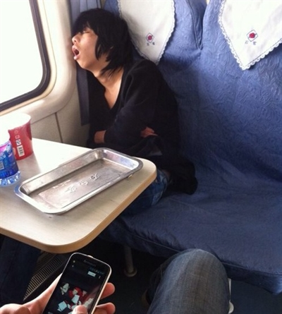 扯斃了,大眾交通運輸工具最糗趣事 Yu Lin